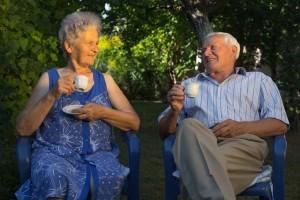 shutterstock_149335580 old couple drinking tea